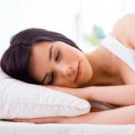 超簡単!寝てる間に胸が大きくなるバストアップ法とは?